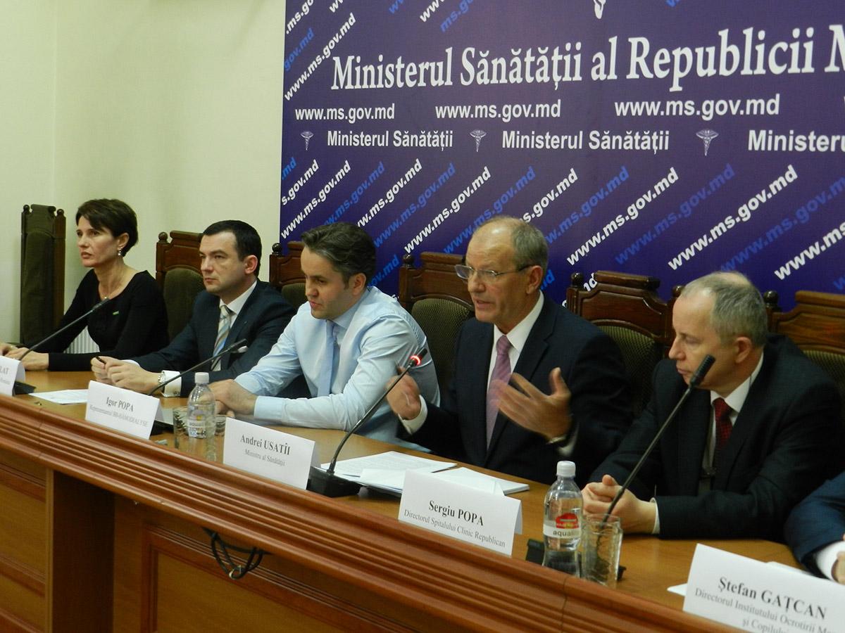 A fost semnat contractul de parteneriat public privat pentru servicii de dializă în R. Moldova