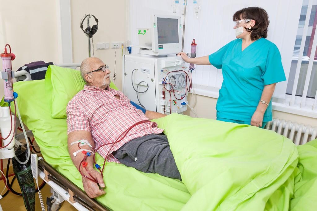 Pentru pacientii nostri am ales aparatele de dializa ideale, Dialog+, produse de compania germana B.Braun, companie cu reputatie internationala.